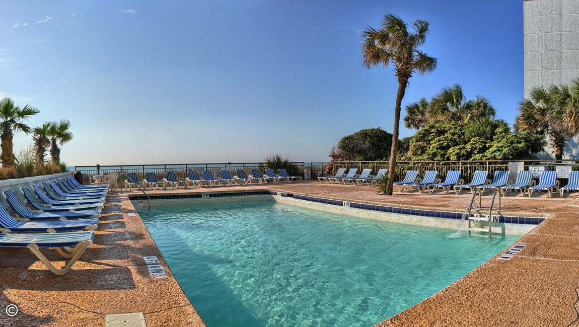 outdoor pool at captain's quarters resort