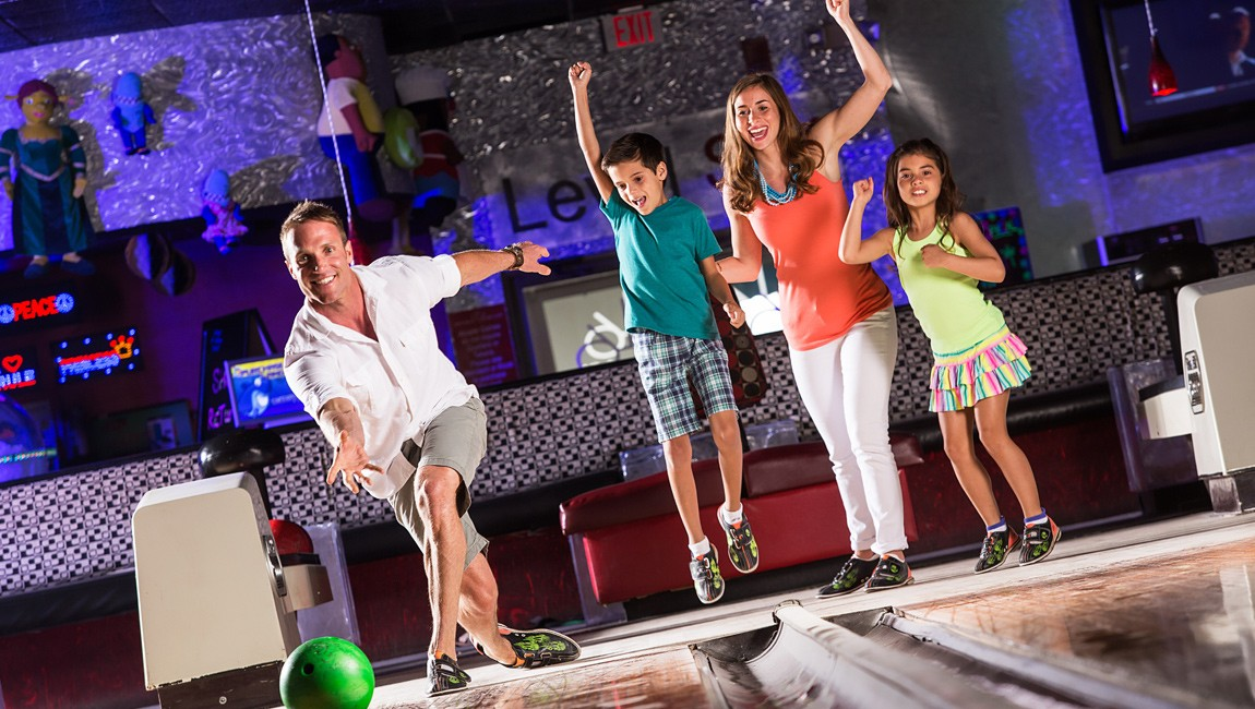 family bowling at Level 6